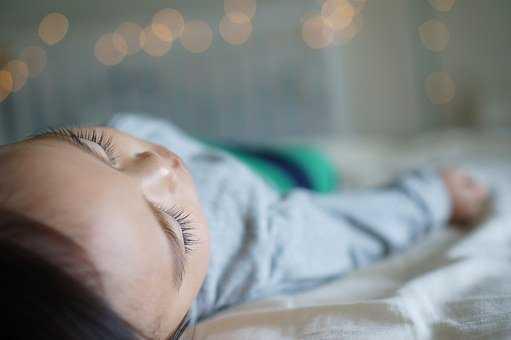 poduszka przeciw spłaszczaniu główki